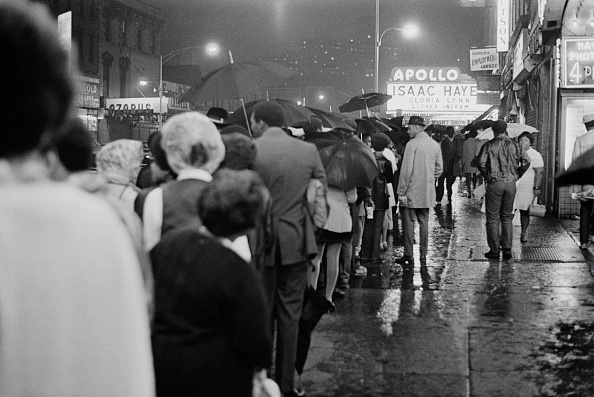 Waiting In Line「Apollo Theater」:写真・画像(8)[壁紙.com]
