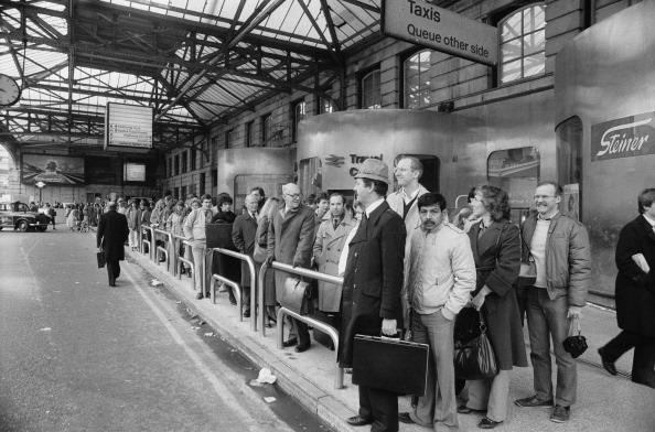 Waiting「Transport Strike」:写真・画像(16)[壁紙.com]