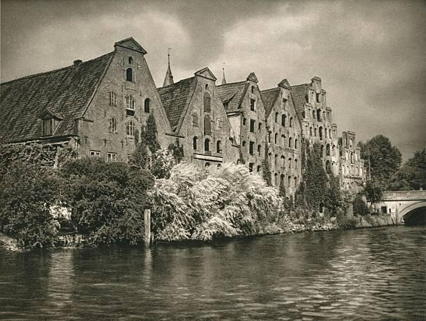 Lubeck - Salt Warehouses, 1931:ニュース(壁紙.com)
