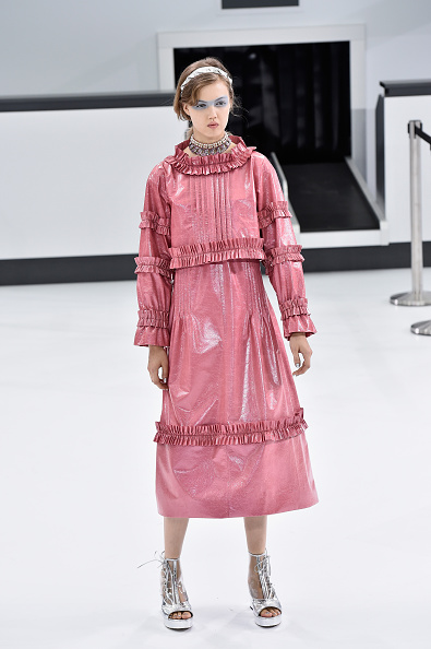 Pascal Le Segretain「Chanel : Runway - Paris Fashion Week Womenswear Spring/Summer 2016」:写真・画像(10)[壁紙.com]