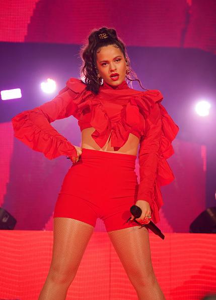 Red Shorts「Spotify ¡Viva Latino! Live」:写真・画像(13)[壁紙.com]