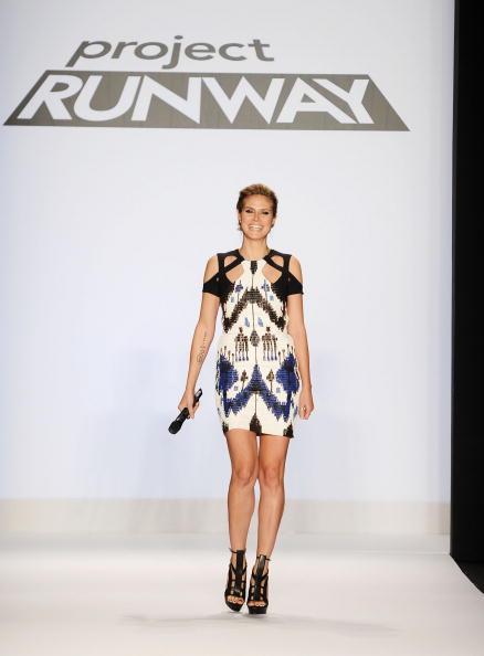 Mini Dress「Project Runway - Runway - Fall 2010 MBFW」:写真・画像(9)[壁紙.com]
