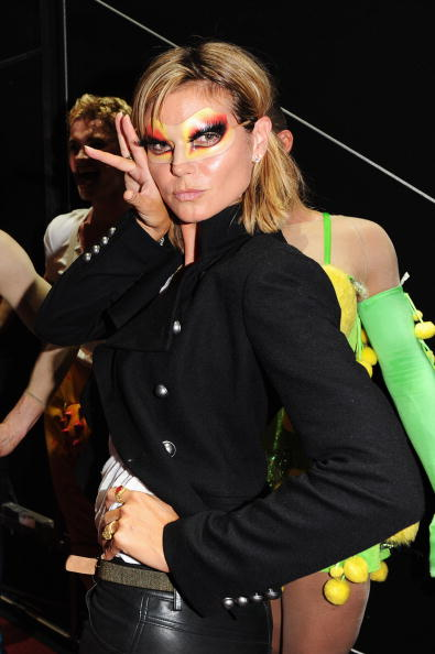 Ian Gavan「Seal And Heidi Klum Meet Cast Of Priscilla Backstage At Palace Theatre」:写真・画像(6)[壁紙.com]
