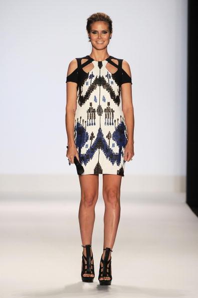 Mini Dress「Project Runway - Runway - Fall 2010 MBFW」:写真・画像(12)[壁紙.com]