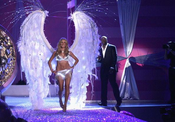 Performance「The Victoria's Secret Fashion Show - Runway」:写真・画像(11)[壁紙.com]