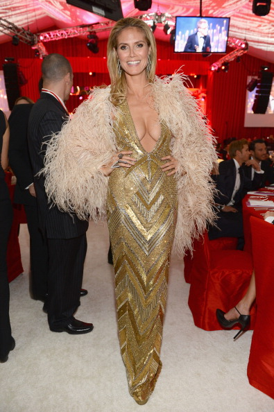 Gold Dress「21st Annual Elton John AIDS Foundation Academy Awards Viewing Party - Inside」:写真・画像(7)[壁紙.com]