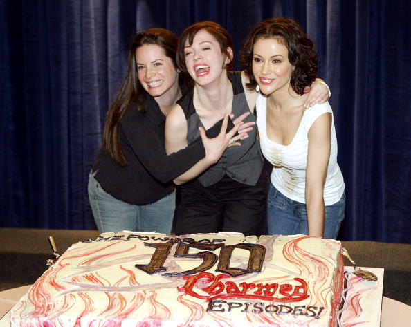 "Paramount Pictures「The WB's ""Charmed"" 150th Episode Cake Cutting」:写真・画像(8)[壁紙.com]"