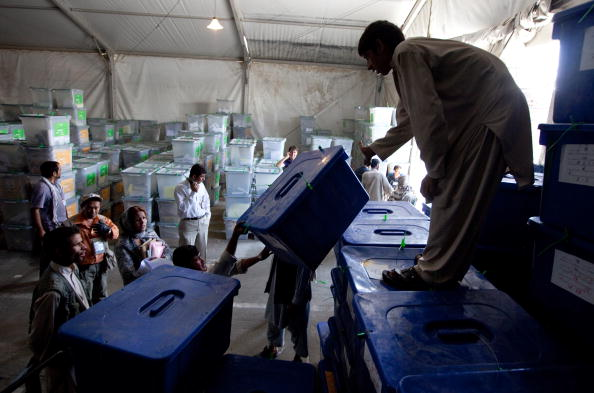 Kabul「Vote Tally Continues For Afghan Elections」:写真・画像(13)[壁紙.com]
