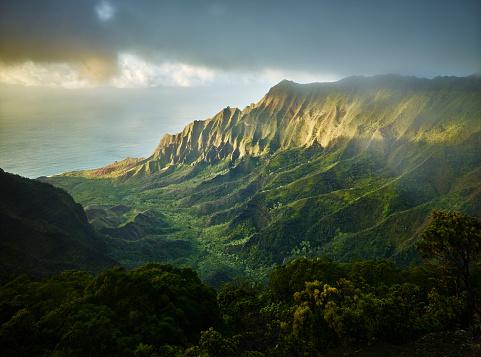 Pacific Coast「USA, Hawaii, Kauai, Kalalau Valley, Kokee State Park, aerial view」:スマホ壁紙(19)