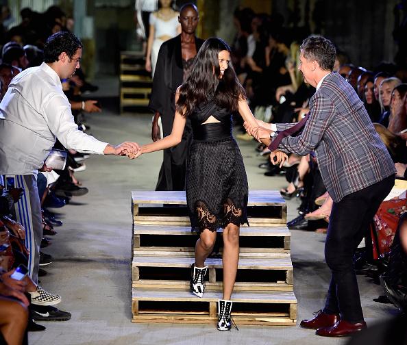 Tripping - Falling「Givenchy - Runway - Spring 2016 New York Fashion Week」:写真・画像(16)[壁紙.com]