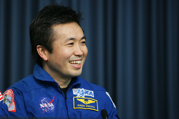 Japan Aerospace Exploration Agency「Space Shuttle Endeavour Returns To Kennedy Space Center」:写真・画像(3)[壁紙.com]