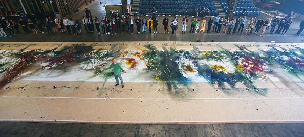 全景「International Contemporary Artist Cai Guo-Qiang Creates Explosive New Artwork For National Gallery of Victoria」:写真・画像(10)[壁紙.com]