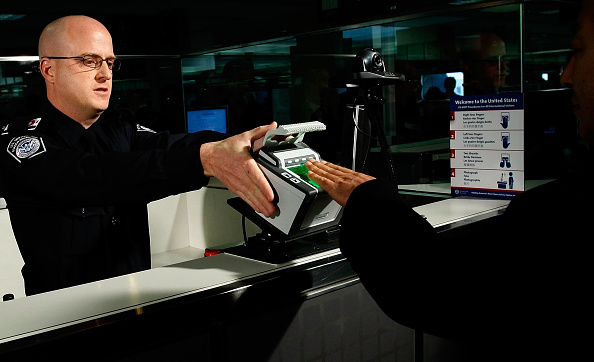税関「Chertoff Launches 10-Fingerprint Scanners At Dulles Airport」:写真・画像(14)[壁紙.com]