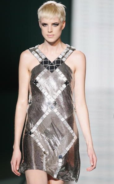Silver Colored「Milan Fashion Week: Gianni Versace」:写真・画像(3)[壁紙.com]