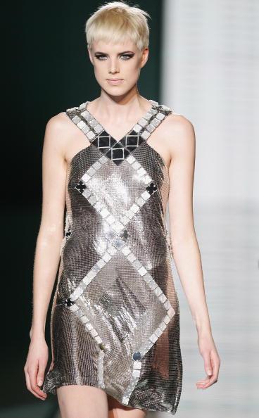 メタリック「Milan Fashion Week: Gianni Versace」:写真・画像(2)[壁紙.com]