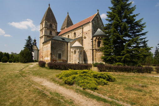 Benedictine「Romanesque Benedictine Abbey Church.」:スマホ壁紙(5)