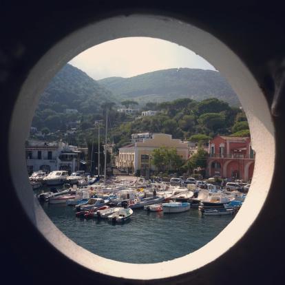 Porthole「Beautiful italian harbor in Ischia」:スマホ壁紙(15)