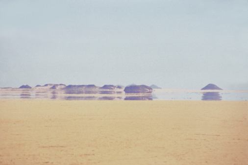 Heat Haze「Mirage on dry sand in Sahara Desert」:スマホ壁紙(13)