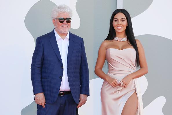 "Movie「""The Human Voice"" and ""Quo Vadis, Aida?"" Red Carpet - The 77th Venice Film Festival」:写真・画像(2)[壁紙.com]"