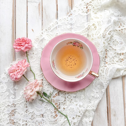 Coffee Break「Cup of Tea with roses and lace」:スマホ壁紙(4)
