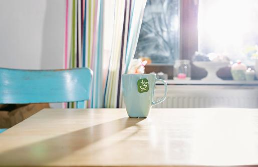 Tea「Cup of tea standing on kitchen table」:スマホ壁紙(19)