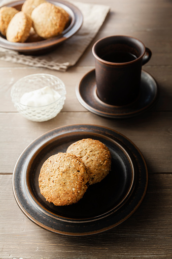 Cookie「Cup of tea and plate with scones」:スマホ壁紙(16)