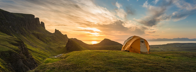 Hiking「Mountain tent sunrise dawn on idyllic camp panorama」:スマホ壁紙(9)