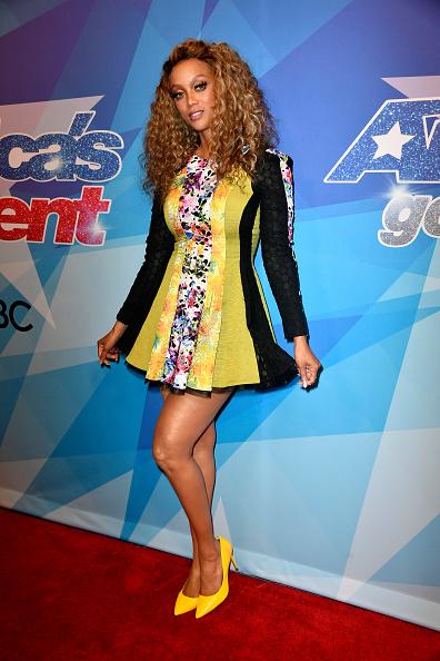 カメラ目線「Premiere Of NBC's 'America's Got Talent' Season 12 - Arrivals」:写真・画像(13)[壁紙.com]