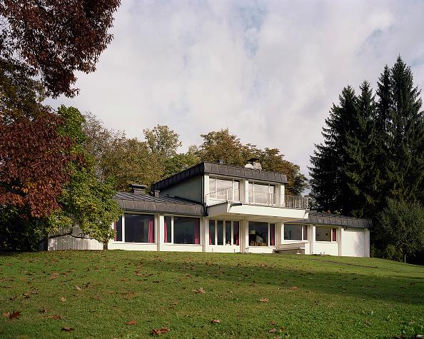 Grass「Rresidential housing, Traunkirchen, Upper Austria, architect Johannes Spalt, 1964」:写真・画像(10)[壁紙.com]