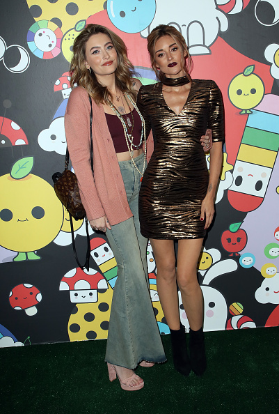 Louis Vuitton Purse「alice + olivia by Stacey Bendet x FriendsWithYou Collection LA Launch Party」:写真・画像(11)[壁紙.com]