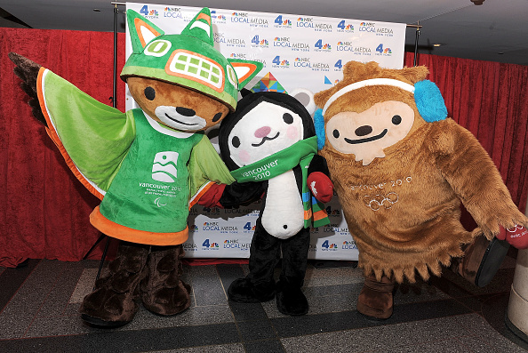 キャラクター「WNBC Celebrates The Rockefeller Center Tree Lighting Ceremony」:写真・画像(9)[壁紙.com]