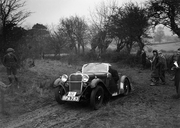 Country Road「Singer of L Sandford at the Sunbac Colmore Trial, near Winchcombe, Gloucestershire, 1934」:写真・画像(6)[壁紙.com]