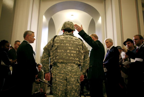 Corporate Business「Pentagon Briefs Senate Armed Services Committee On Armored Vests」:写真・画像(5)[壁紙.com]