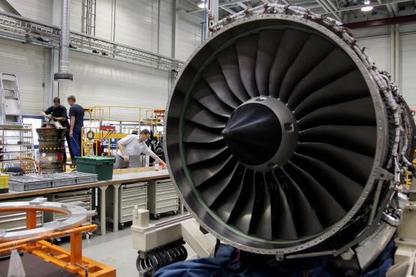 Engine「Tiefensee Visits Rolls-Royce Aircraft Engine Plant」:写真・画像(18)[壁紙.com]