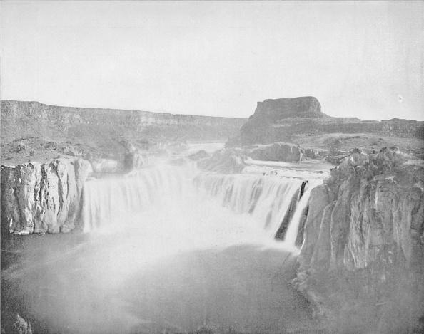 Spray「The Shoshone Falls」:写真・画像(2)[壁紙.com]