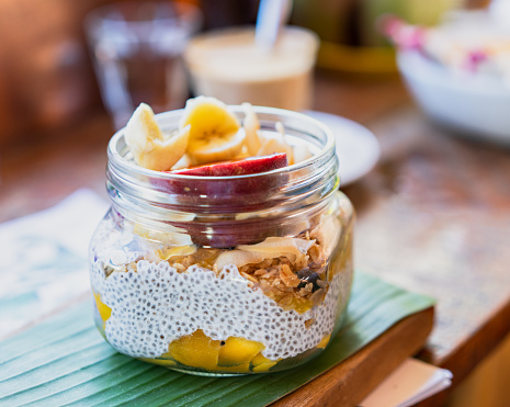 Coconut Milk「Chia pudding with fruits and granola」:スマホ壁紙(19)