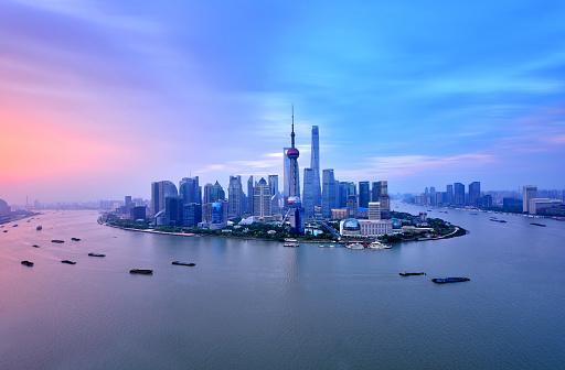 Shanghai「Shanghai Skyline in Dramatic Sky at Sunrise」:スマホ壁紙(13)