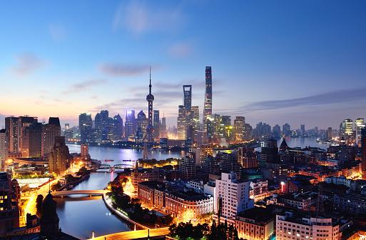Shanghai「Shanghai Skyline at Dawn, China」:スマホ壁紙(2)