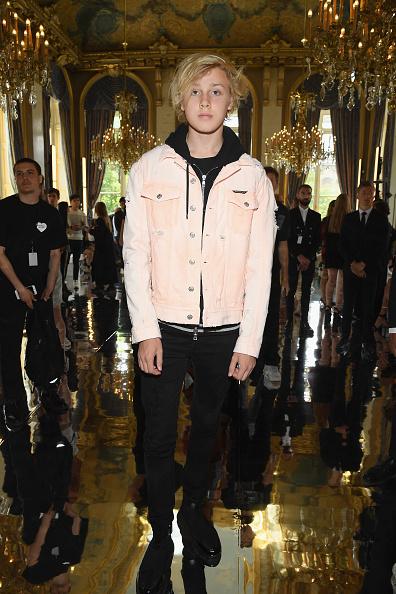 パリ・メンズ・ファッションウィーク「Balmain: Front Row - Paris Fashion Week - Menswear Spring/Summer 2019」:写真・画像(19)[壁紙.com]