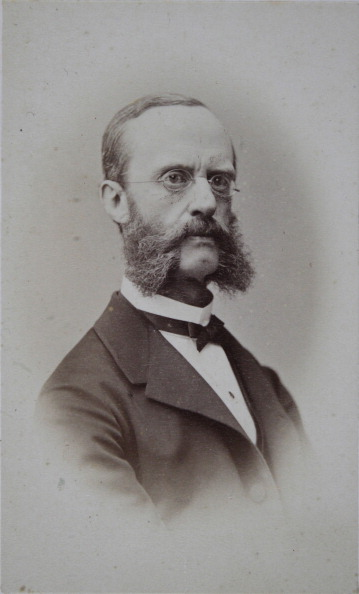 Dresser「Councilor Roschman Of The Bureau Of The Austrian Mansion. About 1870. Photograph By Ludwig Angerer. Vienna [Johannesgasse].」:写真・画像(10)[壁紙.com]