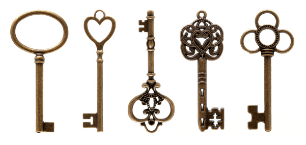 Key「Old Keys (clipping path all) isolated on white background」:スマホ壁紙(2)