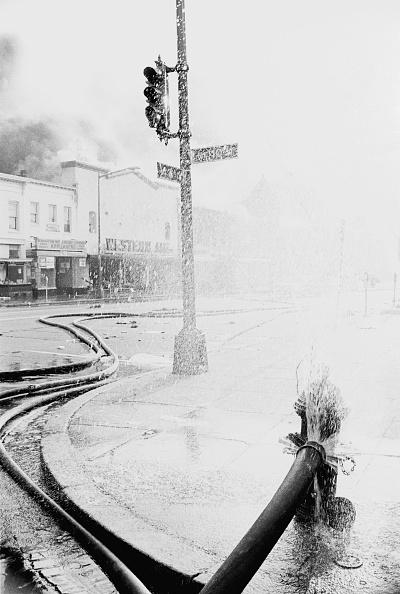 Road Signal「1968 Washington Riots」:写真・画像(15)[壁紙.com]