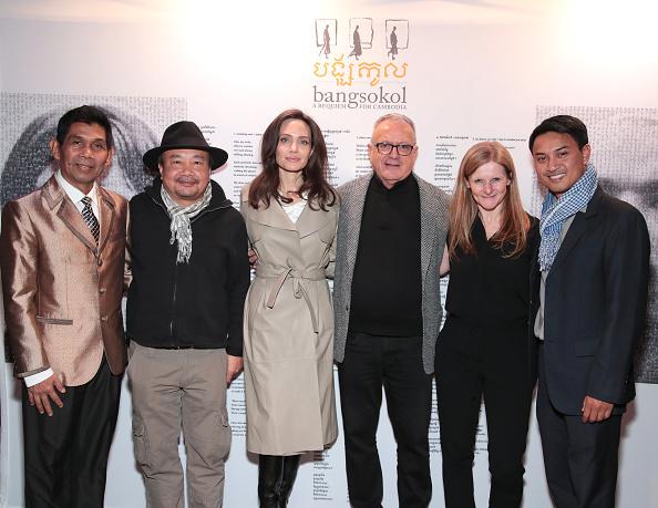 アンジェリーナ・ジョリー「Angelina Jolie Attends Bangsokol: A Requiem for Cambodia at BAM (Brooklyn Academy of Music)」:写真・画像(9)[壁紙.com]