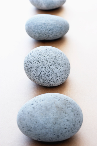 Chan Buddhism「Stones in row elevated view selective focus」:スマホ壁紙(12)