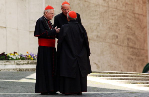 Bishop - Clergy「Cardinals Attend A Meeting To Prepare The Next Conclave」:写真・画像(12)[壁紙.com]
