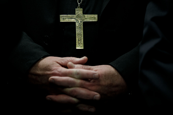 Religious Cross「New York Cardinal Timothy Dolan Holds Briefing On Immigration And Border Issues」:写真・画像(19)[壁紙.com]
