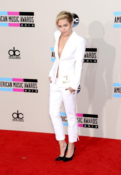 Versace Versus「2013 American Music Awards - Arrivals」:写真・画像(16)[壁紙.com]