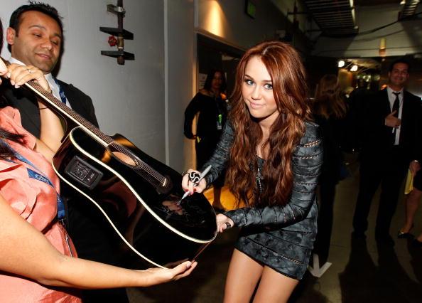 52nd Grammy Awards「The 52nd Annual GRAMMY Awards - Backstage」:写真・画像(12)[壁紙.com]
