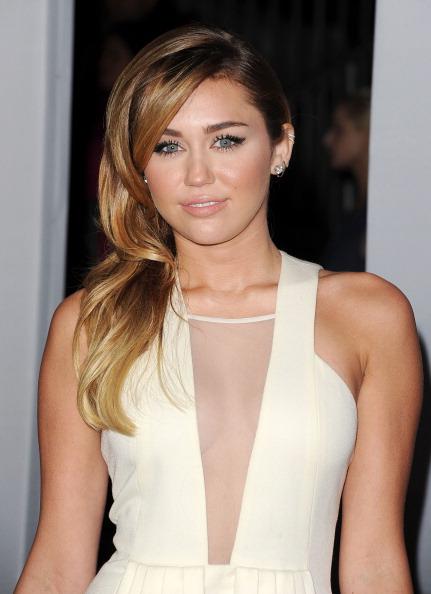 ロングヘア「2012 People's Choice Awards - Arrivals」:写真・画像(17)[壁紙.com]