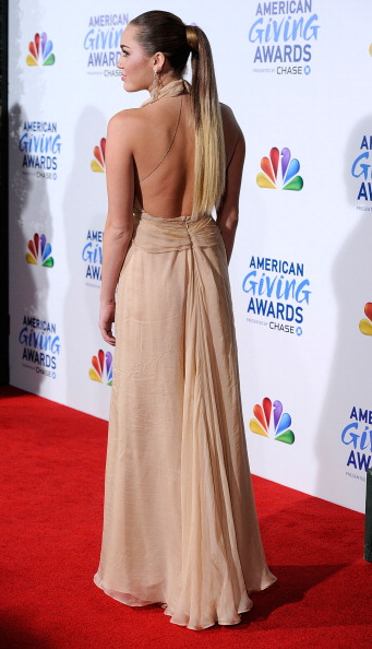 Nude Colored Dress「American Giving Awards Presented By Chase - Arrivals」:写真・画像(16)[壁紙.com]